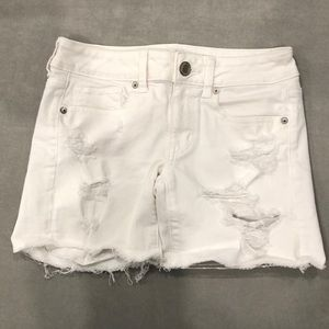 Women's American Eagle high waisted denim shorts